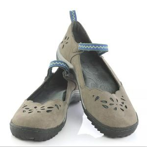 Jambu Brooks Olive Green Laser Cut Mary Janes: 9.5